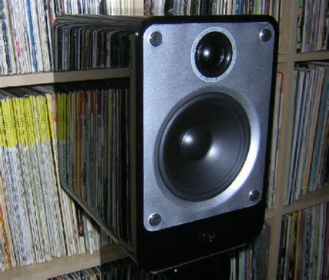 Q Acoustics 2010i Hitam Gloss deco audio speakers1
