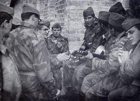 dispensa servizio militare da elvis a jovanotti attori e cantanti in versione