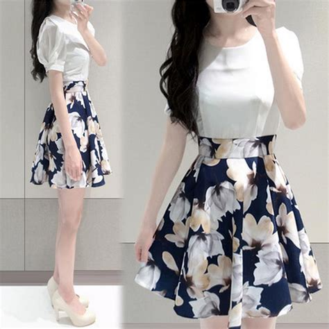 Pakaian Wanita Zalia Floral Placement Print Dress Dres Modern Etnik dress wanita big flower korean style dress size l white jakartanotebook