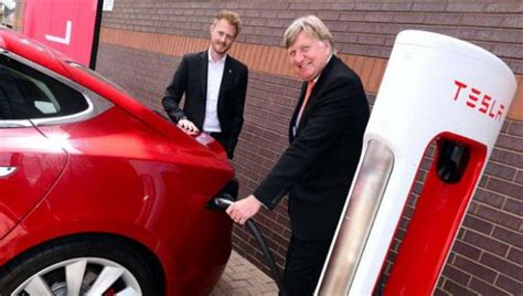 Tesla Superchargers Uk Uk Tesla Superchargers Now Open To The Zap Map
