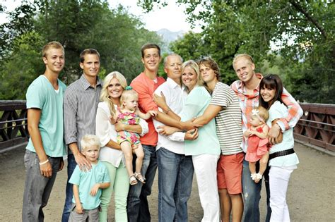 family photo color ideas family pictures utah family photography family pictures
