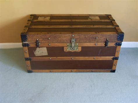 steamer trunk coffee table an attractive steamer trunk coffee table