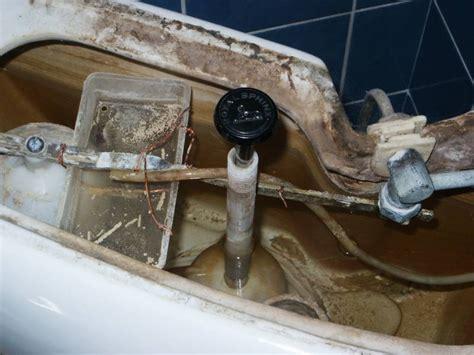 sphinx toilet verstopt vlotter wc kapot aansluiten meterkast schema