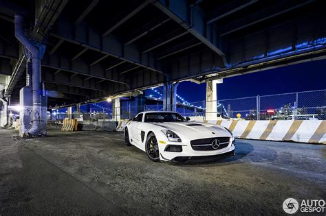 Mercedes New York City by Mercedes Sls Amg Black Series In Nachtelijk New York City
