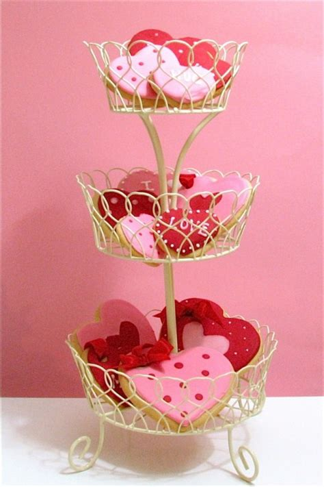28 cool heart decorations for valentine s day digsdigs 28 cool heart decorations for valentine s day home decor