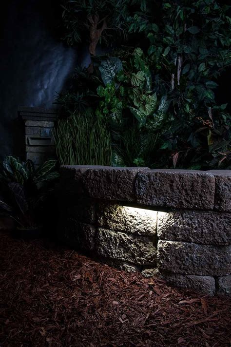 Landscape Wall Lighting Led Hardscape Light 6 Quot Deck Step And Landscape Retaining Wall Light With Mortar Mounting