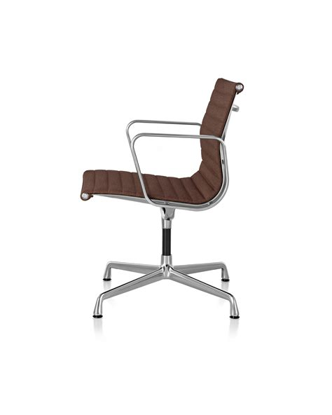 Eames Aluminum Management Chair by Herman Miller Eames 174 Aluminum Management Chair Gr Shop Canada