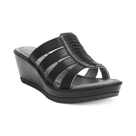 hush puppies wedges hush puppies 174 womens roux platform wedge sandals in black lyst