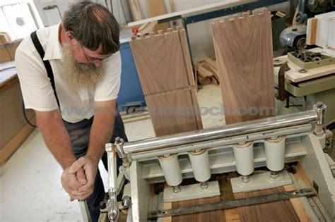 amish woodworkers wood 201209