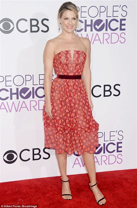 Choice Awards Strapless Trend by S Choice Awards Ali Larter Shines On Carpet