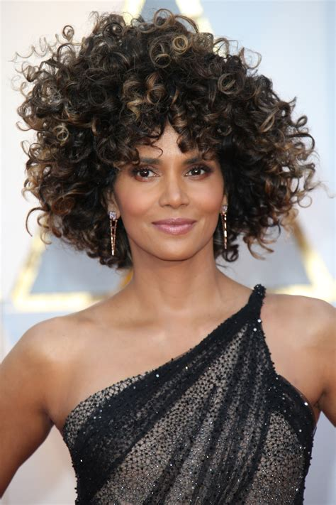 Curl Hairstyles by 35 Easy Curly Hairstyles Medium And