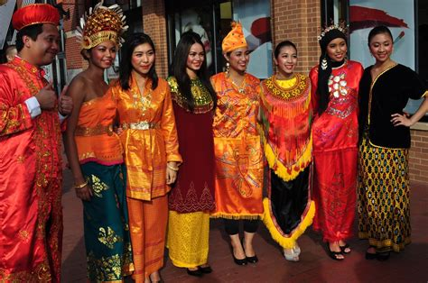 Dress Form Jakarta nine universals of culture material culture traditional clothing indonesia world