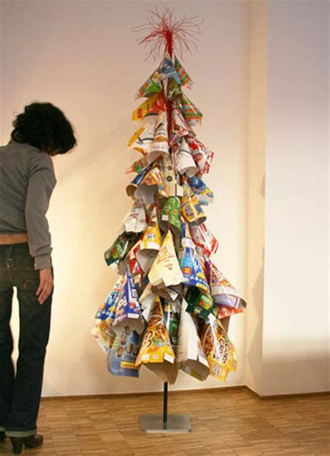 recycle christmas ideas 21 ideas for alternative trees to recycle clutter and save money