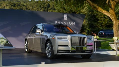 roll royce car 2018 2018 rolls royce phantom commands attention at monterey