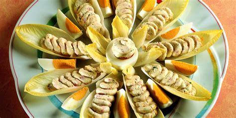 cucinare indivia belga ricetta foglie di belga al salmone la cucina italiana