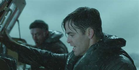 chris pine the finest hours is like a studio film from review the finest hours barely stays afloat filmfad com