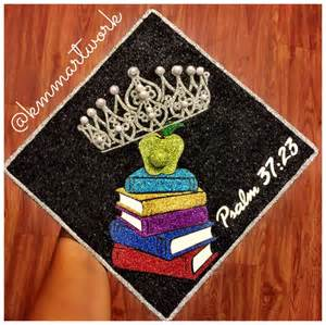 how to decorate graduation cap with paper 1000 ideas about graduation cap on