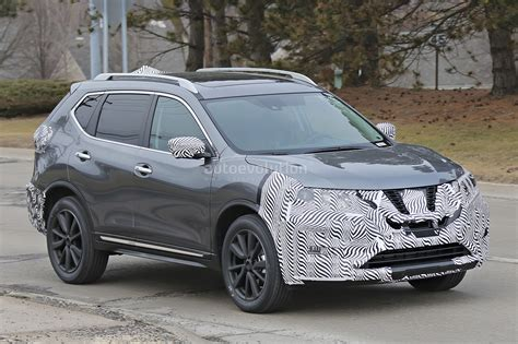 2017 nissan rogue 2017 nissan rogue spied with cosmetic updates autoevolution