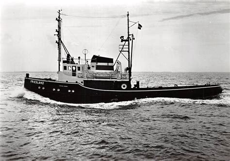 sleepboot ijmuiden ijmuiden zee sleepboot friesland 1959 scheepvaart schepen