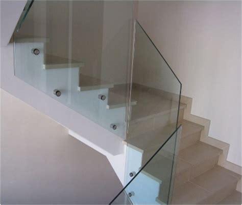 barandillas de vidrio barandillas vidrio de vecinos barandilla escalera en ral
