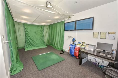 rory mcilroys childhood home complete  putting green
