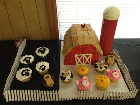 Farm Theme Baby Shower Decorations by Farm Themed Baby Shower With Farm Cake And Animal
