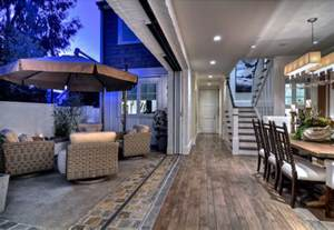 Indoor Outdoor Space Stylish Beach House With Coastal Interiors Home Bunch