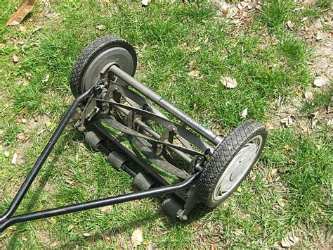 non motorized lawn mower when did quot trimmed lawns quot become a popular thing