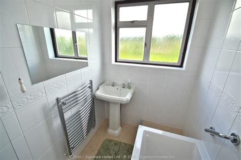 Simple Bathroom Makeovers by Simple Bathroom Makeover St Road Signature