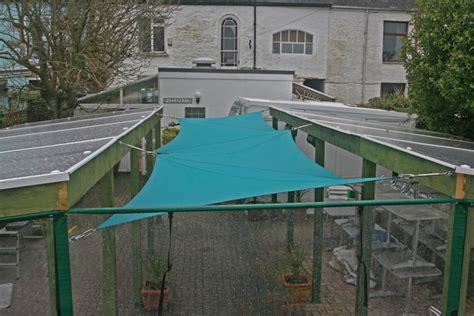 wind proof screens and tensioned shade sail for pizza