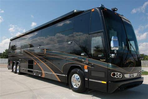 luxury motor coaches prevost luxury motorcoach vehicles