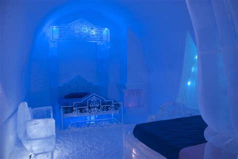 hotel de glace frozen themed guest suite at hotel quebec city s hotel de