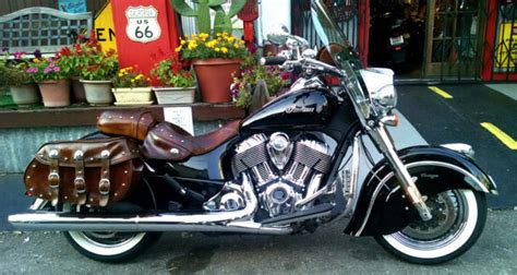2014 Indian Chief Vintage Motorcycle Only 20,000 miles  5