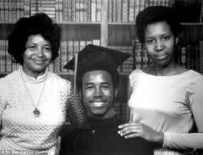 Family ben carson graduating yale in 1973 with his mother sonya left