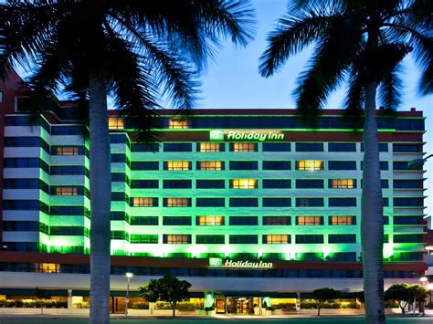 hotels near of miami downtown miami florida hotel near cruise inn