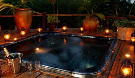 Delightful Day Spa Decorating Ideas #5: Romantic-valentines-day-ideas-bathtubs-18.jpg