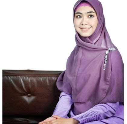tutorial hijab ala oki asokawati hijab style gaya hijab oki setiana dewi yang simple dan