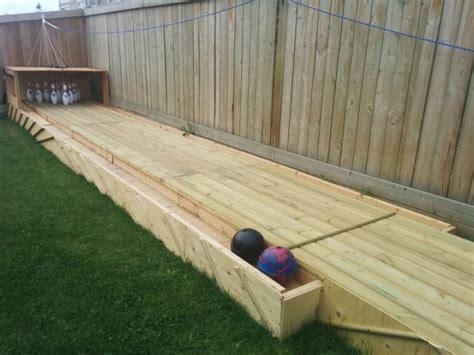 Backyard Diy by Amazing Diy Wood Backyard Bowling Alley 1001 Gardens