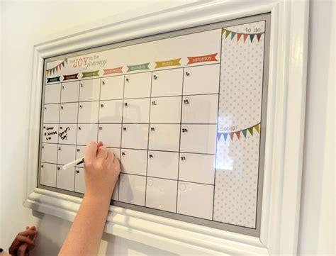 5 Easy Diy Calendars For Home And Office In Out Board Template