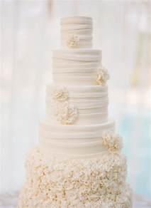 Wedding Cakes All White Wedding Cakes The Magazine