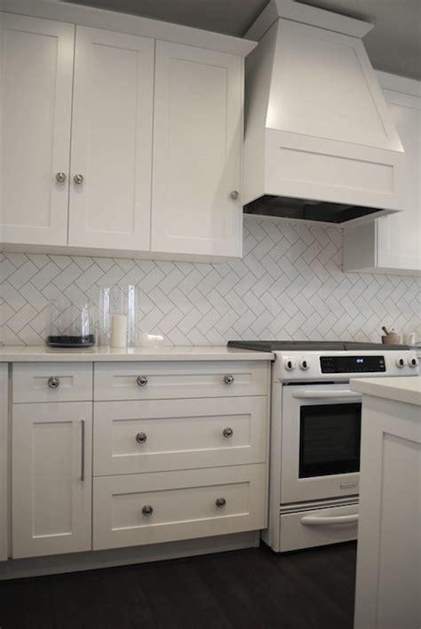 gallery for gt herringbone tile pattern backsplash