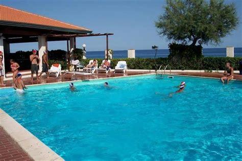 hotel residence il gabbiano hotel residence il gabbiano ciro marina compare deals
