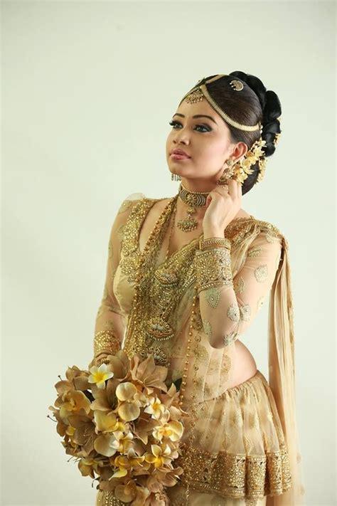 41 best images about Kandyan Saree on Pinterest