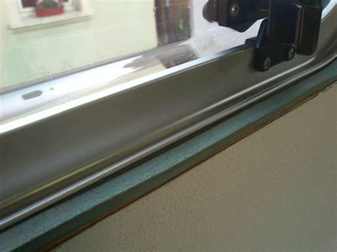 Kondenswasser Am Fenster Trotz Lüften by Idee F 252 R Abtropfleiste Fenster Wohnwagenforum