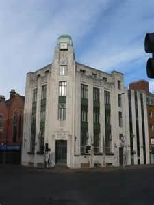 bank fo ireland belfast bank of ireland building 169 chris downer cc by sa