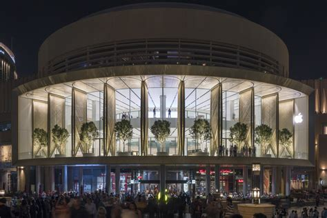 apple dubai apple dubai mall foster partners archdaily