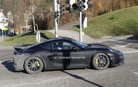 Porsche 718 Gt4 by New Porsche 718 Cayman Gt4 Comes Out With Hardly Any Camo