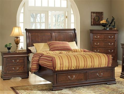 acme 5 pc hennessy collection cherry brown finish wood hennessy storage bed 6 piece bedroom set in brown cherry