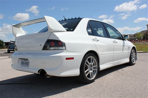 mitsubishi evo white evo fs south 2006 mitsubishi lancer evolution 9 gsr