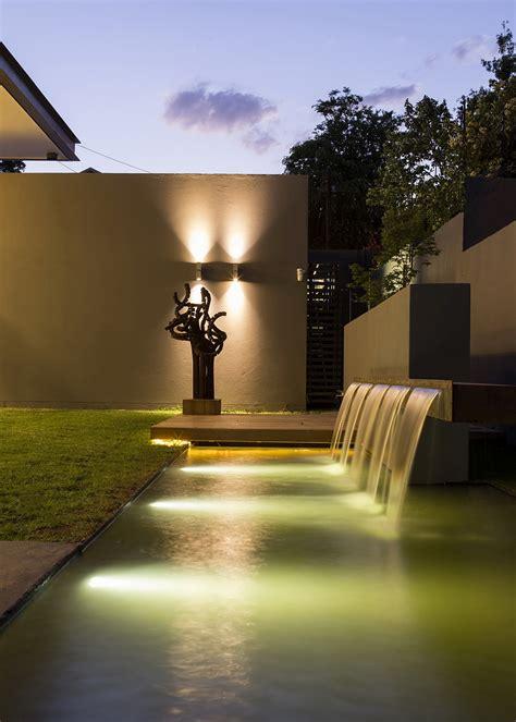 minimalist house sar  nico van der meulen architects